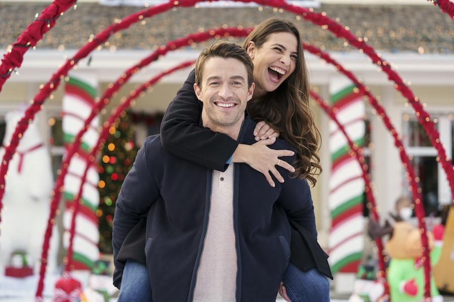 Christmas, Photo: Robert Buckley, Ana Ayora Credit: ©2020 Crown Media United States LLC/Photographer:Luba Popovic
