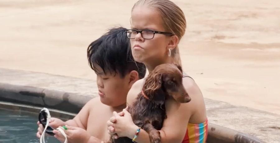 7 Little Johnstons Trailer